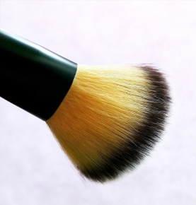 rouge-brush-2092439_1920-e1496482831799.jpg